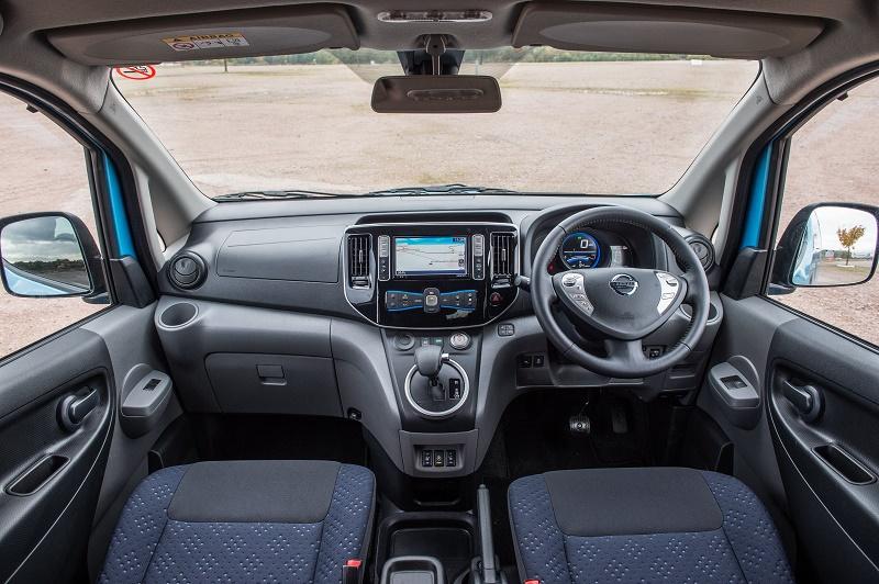 Cabin of the Nissan e-NV200 Combi Teckna Plus