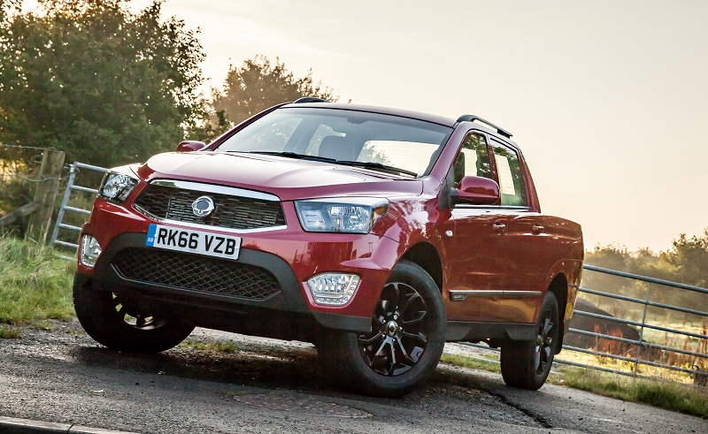 SsangYong Musso pick up front
