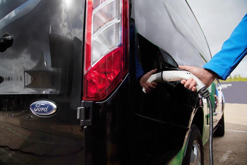 Ford Transit PHEV 2017 charging