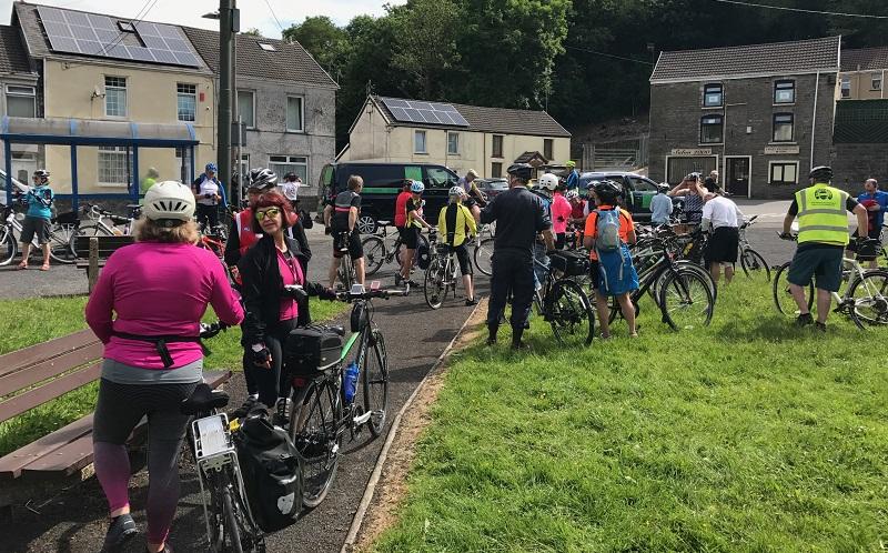 Transporter bike rest halt