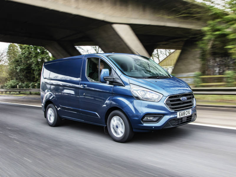 Ford Transit Custom moving